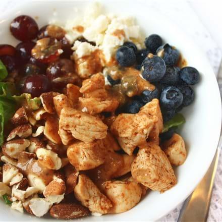 recettes sant nutrisimple salade repas arc en ciel au beurre d 39 amande. Black Bedroom Furniture Sets. Home Design Ideas