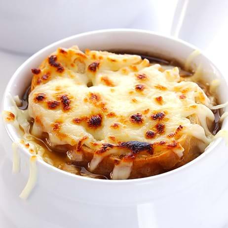 Recettes sant nutrisimple soupe l 39 oignon gratin e - Soupe a l oignon gratinee ...